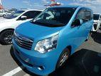 Toyota Noah S 2012