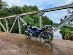 Yamaha YZF R15 . 2013
