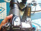 nikon D90 khov valo camera sathe lens ache 2 ta