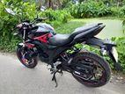 Suzuki Gixxer Black /Red striker 2017