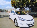 Hyundai Elantra Luxury Sedan 2012