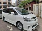 Toyota Noah SI 2012