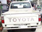 Toyota Hilux পিকআপ ডাবল কেবিন। 2004